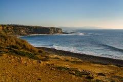 Playa de Ribeira de illhas en el pueblo de Ericeira, Portugal Fotos de archivo libres de regalías