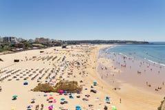 Playa de Rocha en Algarve Portugal imagen de archivo