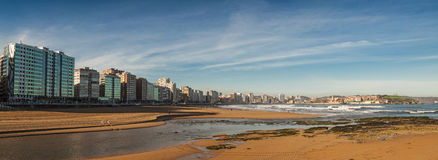 Playa de San Lorenzo, pan view Stock Photography