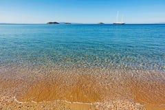 Playa de San Pedro en Andros, Grecia Fotografía de archivo