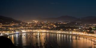Playa de San Sebastián en la noche Foto de archivo libre de regalías