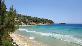 Playa de Sandy, aguas de la turquesa, islas de Grecia fotos de archivo