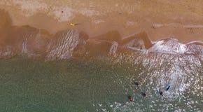 Playa de Sandy desde arriba, Peloponess - Grecia imagenes de archivo