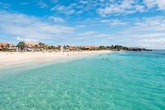 Playa de Santa Maria en la sal Cabo Verde - Cabo Verde Fotos de archivo