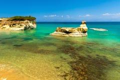 Playa de Sidari en la isla de Corfú (Kerkyra) - Grecia Imagenes de archivo