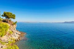 Playa de Skliri en Agistri, Grecia Imágenes de archivo libres de regalías