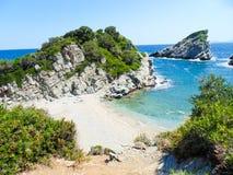 Playa de Spilia en la isla de Skopelos Foto de archivo