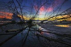 Playa de Sri Tujuh de la salida del sol Imagen de archivo