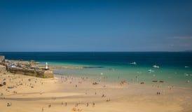 Playa de St Ives con marea baja Imágenes de archivo libres de regalías