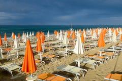 Playa de Torre Canne en Puglia, Italia Imagenes de archivo
