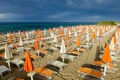 Playa de Torre Canne en Puglia, Italia Foto de archivo libre de regalías