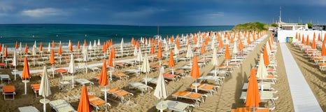 Playa de Torre Canne en Puglia, Italia Imágenes de archivo libres de regalías