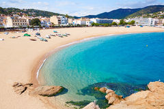 Playa de Tossa de Mar en Costa Brava de Cataluña Foto de archivo libre de regalías