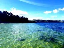 Playa de un lago fotografía de archivo libre de regalías