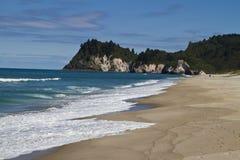 Playa de Whiritoa Fotos de archivo libres de regalías