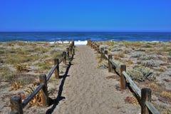Playa del cabo de Gata Nijar Almeria Andalusia Spain de las salinas de los las de Almadraba de Monteleva o foto de archivo
