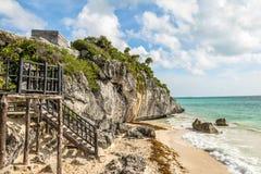 Playa del Caribe en las ruinas mayas de Tulum - Tulum, México Foto de archivo