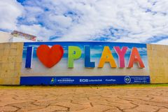 PLAYA DEL CARMEN, ΜΕΞΙΚΟ ΤΗΝ 1Η ΙΑΝΟΥΑΡΊΟΥ 2018: Η υπαίθρια άποψη των τεράστιων λέξεων του playa αγάπης Ι εισάγεται της πόλης σε  Στοκ Εικόνα