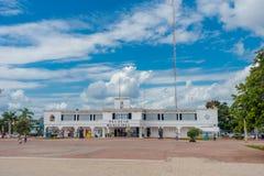 PLAYA DEL CARMEN, MEXIQUE LE 1ER JANVIER 2018 : Entrée au palais municipal dans le Playa del Carmen, Maya de la Riviera, Mexique Images libres de droits