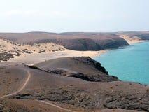 Playa del desierto en Lanzarote Fotografía de archivo libre de regalías