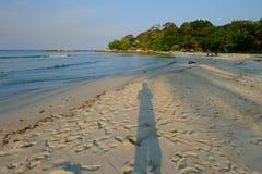 Playa del mar de la sombra Fotografía de archivo