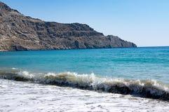 Playa del mar libio en el centro turístico de Plakias, isla de Creta, Grecia foto de archivo