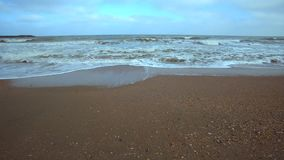 Playa del Mar Negro en invierno almacen de video