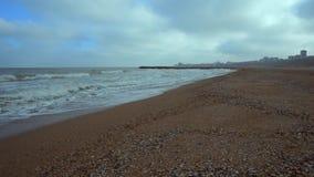 Playa del Mar Negro en invierno almacen de metraje de vídeo