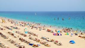 Playa del Matorral - экзотический пляж в Morro Jable около превосходных объектов покупок в Фуэртевентуре стоковые фотографии rf