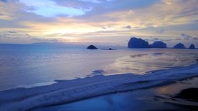 Playa del meng de Pak en la provincia de Trang del distrito de Sikao, Tailandia fotografía de archivo