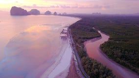 Playa del meng de Pak en la provincia de Trang del distrito de Sikao, Tailandia foto de archivo