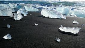 Playa del negro del glaciar del hielo almacen de metraje de vídeo