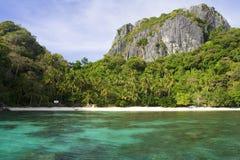 Playa del paraíso en el EL Nido Fotos de archivo libres de regalías