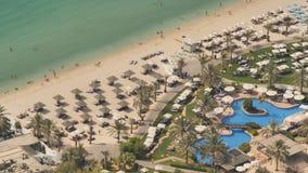 Playa del puerto deportivo de Dubai Visión desde la altura almacen de metraje de vídeo