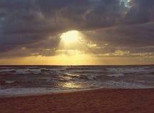 Playa del resplandor solar Foto de archivo