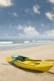 Playa del verano con el kajak Foto de archivo