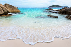 Playa del verano en Tailandia Imagen de archivo libre de regalías