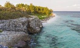 Playa descalza Vista de Gran Caimán fotografía de archivo libre de regalías