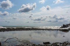 Playa después de la tormenta Foto de archivo libre de regalías