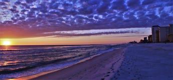 Playa el Golfo de México de ciudad de Panamá cerca de la puesta del sol pintoresca fotos de archivo