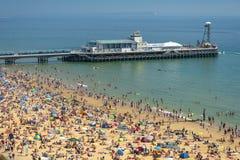 Playa, embarcadero, mar y arena de Bournemouth fotos de archivo