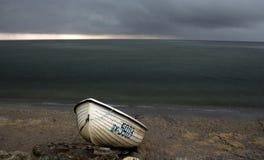 Playa en clima tempestuoso Foto de archivo libre de regalías