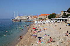 Playa en Dubrovnik, Croatia Fotos de archivo libres de regalías