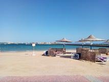 Playa en Egipto, bahía del macadi Foto de archivo