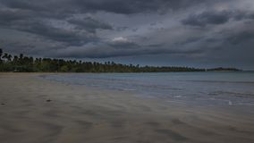 Playa en el fondo de la mañana fotos de archivo