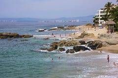 Playa en el lado sur de Puerto Vallarta Fotografía de archivo