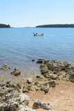 Playa en Istria cerca de Medulin, Croacia Fotos de archivo libres de regalías