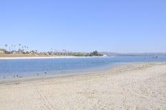 Playa en la bahía de la misión Imagen de archivo