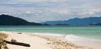 Playa en la isla de Manukan, Borneo Fotos de archivo