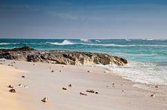 Playa en la isla magnífica del turco, del Caribe imagenes de archivo